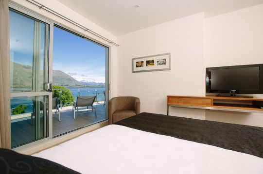 Lakeside Apartments Wanaka Accommodation Premier Luxury Apartment
