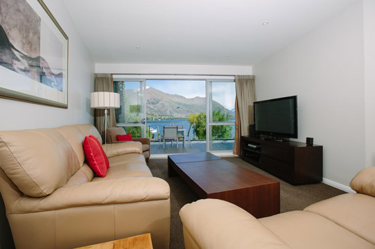 Lakeside Apartments Wanaka Deluxe Apartment