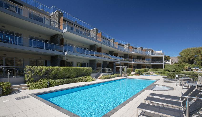 lakeside-apartments-pools-and-spa-170308_la-web_047
